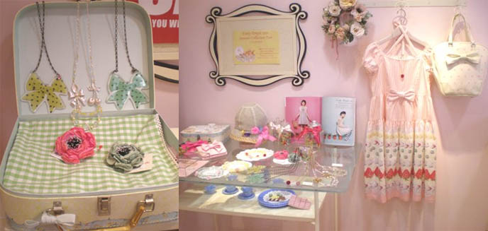 Cute sweet jewelry, lolita necklaces, bows, flower accessories, girl's bedside table and closet.